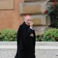 Orar por el Papa, orar por la Iglesia: responsabilidad urgente en esta hora providencial de su historia
