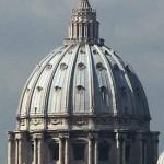 """Vaticano presenta escudo y lema del Papa Francisco: """"Amándolo lo eligió"""""""